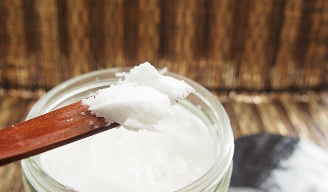 Kokosöl zur Zahnpflege